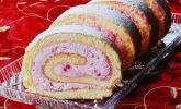 Erdbeermousse-Roulade
