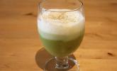 Grüner Spargel-Shot mit Verveine-Schaum und Schinkensegel