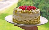 Inibinis weiße Himbeer-Pistazien-Torte