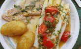 Spargel mit Tomatenvinaigrette