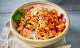 Apfel-Karotten-Salat mit Sesam-Dressing
