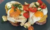 Caprese-Avocado-Breakfast-Toast