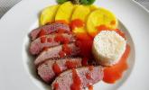 Entenbrusttranchen an gebratenen Mangoscheiben mit Erdbeer-Ingwer-Sauce