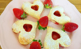 Erdbeer-Blätterteigherzen zum Muttertag