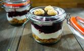 Heidelbeer-Amarettini-Dessert