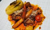 Hauptspeise: Kalbsschmorbraten, Lorbeerkartoffeln und glasierte Möhren