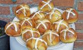 Englische Karfreitagssemmeln – Hot cross buns
