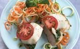 Hähnchen mit Zucchini-Möhren-Nudeln