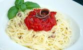 Spaghetti mit Sardellen und Tomaten