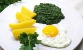 Spinat, Spiegelei und Salzkartoffeln