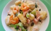 Schnelle Lachspfanne mit Gnocchi