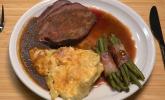 Hauptspeise: Tafelspitz vom Grill mit Kartoffelauflauf und Speckbohnen