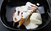 Nachspeise: Pinienkerntarte mit karamellisierten Feigen und einer Art Eis