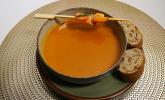Vorspeise: Genussvolle Süßkartoffel-Ingwer-Suppe mit Zwiebelbaguette