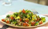 Rezept Quinoa Powersalat mit Tomaten und Avocado