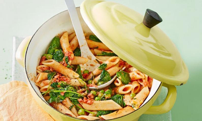 One-Pot-Pasta: Leckere Nudeln und Soße aus einem Topf