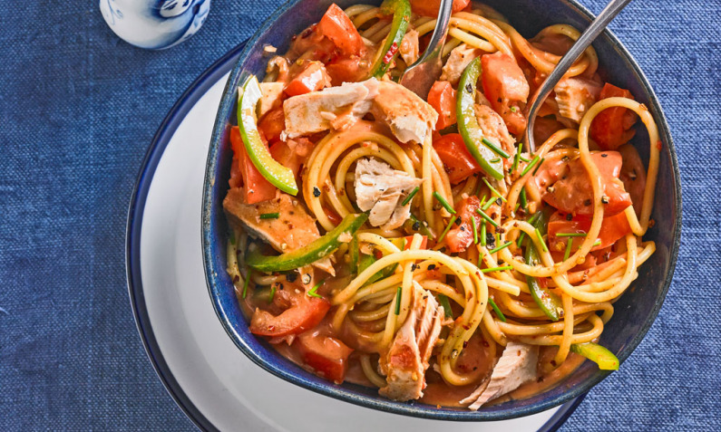 Paprika-Nudel-Salat mit Thunfisch