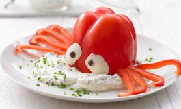 Lustig angerichtete Paprika für Kinder
