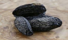 Die Tonkabohne ist klein, schwarz und sehr aromatisch