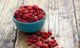 Goji Beeren: Leckere Beeren in türkiser Schale - sind sie ein Superfood?