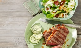 Mariniertes Steak mit Ceasar Salad