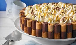 Waffelröllchen-Torte