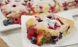 Joghurt-Frucht-Blechkuchen