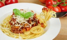 Spaghetti Bolognese mit getrockneten Tomaten