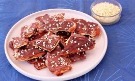 """Den Cracker Cake mit Karamell und Schokolade aus dem Video von """"Esslust"""" solltet ihr euch nicht entgehen lassen."""