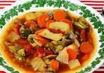 SOS-Suppe mit allerlei Gemüse