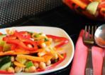 Kichererbsen-Gemüsesalat mit Möhren und Gurke