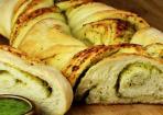 Gedrehtes Pesto-Brot