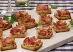 Bacon-Tomaten-Frischkäse-Häppchen