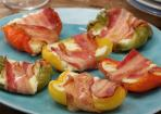 Frischkäse-Paprika-Schiffchen im Speckmantel