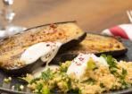 Gebackene Auberginen mit Bulgur Salat