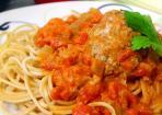 Parmesan-Meatballs mit Sour Cream Dip