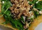 Rucola-Salat mit Walnüssen