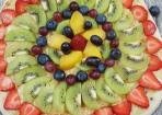 Fruit Pizza mit Früchten der Saison