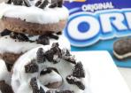 Oreo-Donuts mit Milchcreme-Glasur