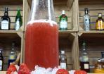 Likör aus frischen Erdbeeren