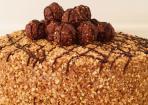 Rocher-Torte mit Nutella und Haselnüssen