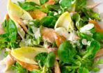 Linsen-Chicorée-Salat mit Räucherforelle