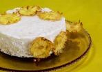 Kokos-Milchreis-Torte mit Ananasblüten