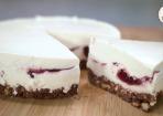No Bake Cheesecake mit roter Grütze